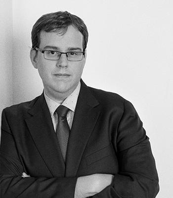 Consultores de comunicación corporativa y empresarial: Roberto San Martín.