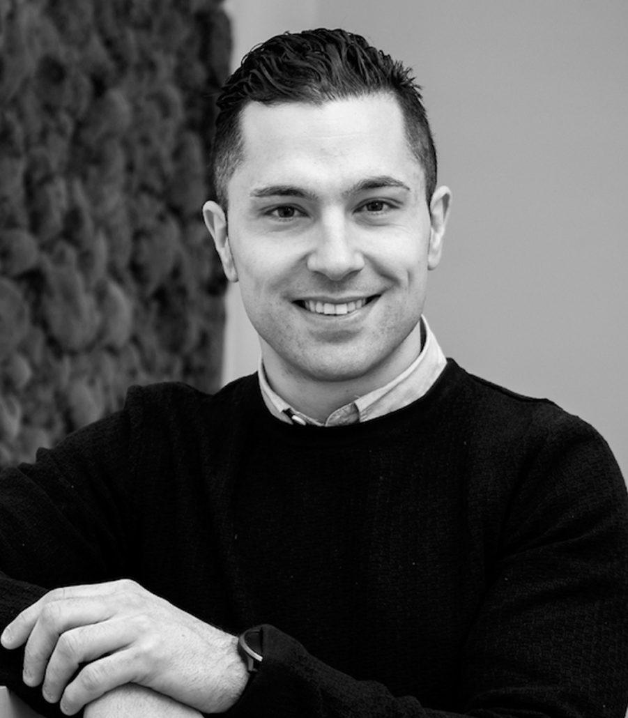 Consultores de comunicación corporativa y empresarial: Alberto Casero.