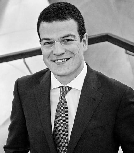 Consultores de comunicación corporativa y empresarial: José Barros.